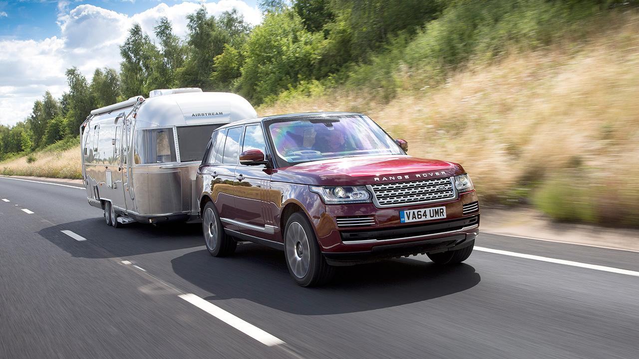 Jaguar Land Rover зробить водія всевидячим навіть з трейлером