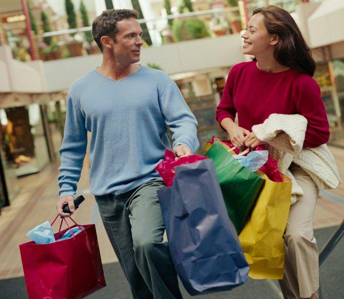 Шопінг без стереотипів: як купують чоловіки і жінки