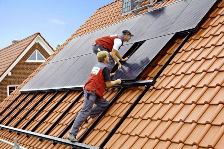 Спеціаліст з сонячних технологій